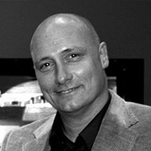 Ralf Bastian – Geschäftsführer seit 1983